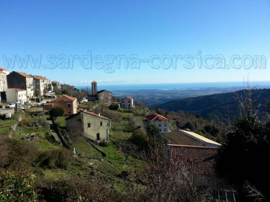 Corsica vista sul mare dal villaggio Antisanti